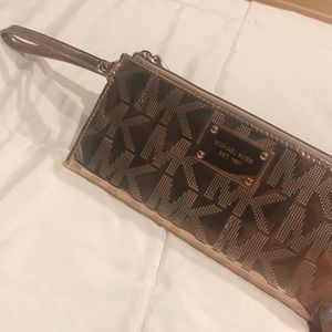 Authentic Michael Kohrs Small Zip Wristlet